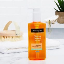 NEUTROGENA CLEAR AND DEFEND FACIAL WASH